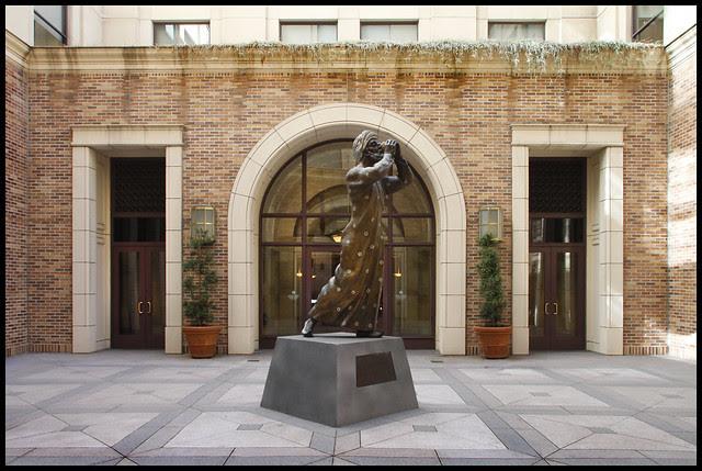 Hills courtyard arab sculpture