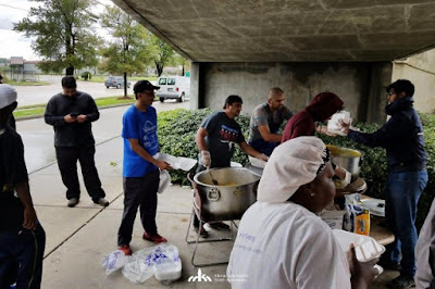 USA: Ahmadiyya Muslim group sprang into action to help Harvey victims in Houston