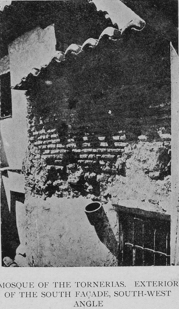 Exterior de la mezquita de Tornerías hacia 1905