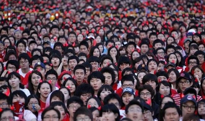 По прогнозам китайских ученых население страны в течение 30 лет сократится вдвое