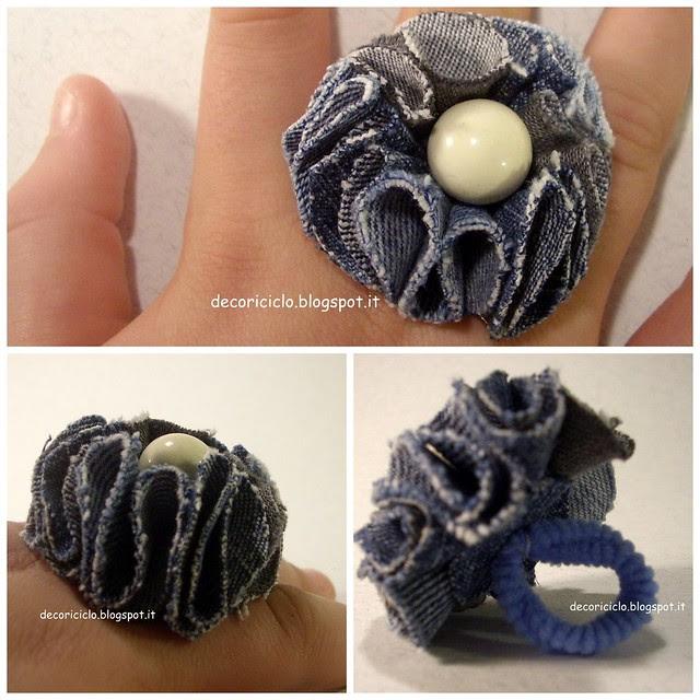 Collage anello petali di jeans e bottone perla