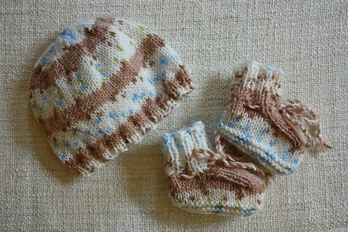 Knit Hat & Booties