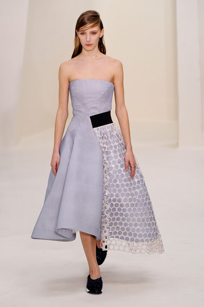 http://www4.pictures.stylebistro.com/it/Christian+Dior+Spring+2014+mmGEoK_j4S0l.jpg