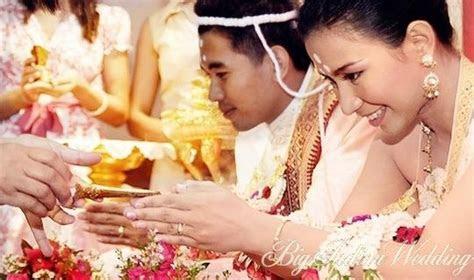 Buddhist wedding rituals. The Buddhist community do not