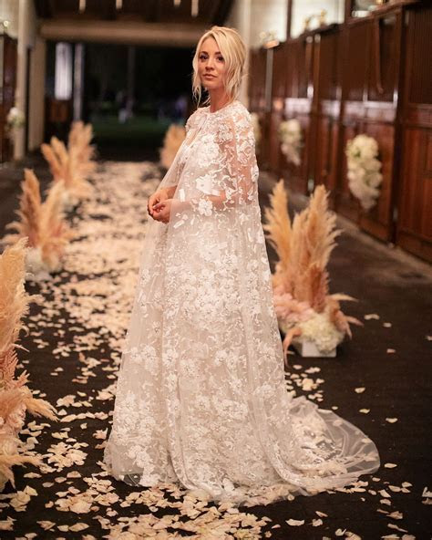 Kaley Cuoco In Reem Acra Wedding gown and cape.   wedding