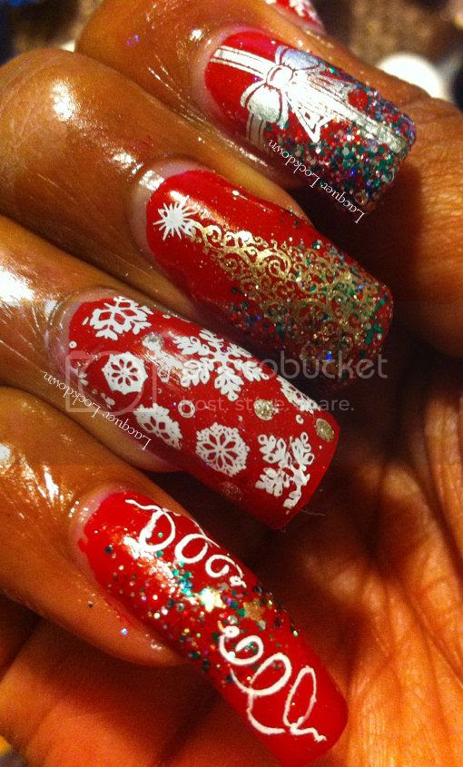 Lacquer Lockdown - Sugar Bubbles Special 01, Sugar Bubbles Special 02, CrowsToes Making Christmas, Christmas nai art, christmas manicures, christmas nai art ideas, snowflakes, presents, christmas trees, IMN Northern Lights, OPI Big Apple Red, China Glaze Passion, China Glaze Millennium, glitter nail polish, indie nail polish, indie nail art plates, stamping, nail art, sponging nail art, holiday nail art