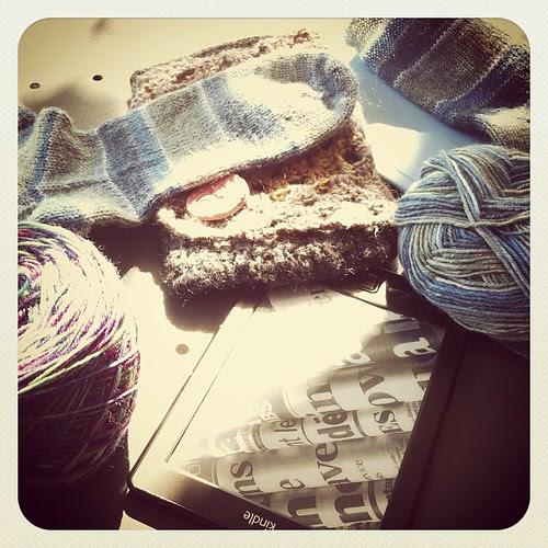 Knitting with my mom :) Lavorando a maglia con mia mamma:)