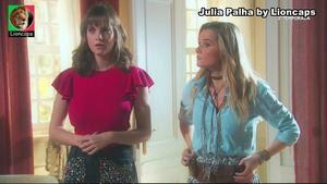 Julia Palha sensual em vários trabalhos