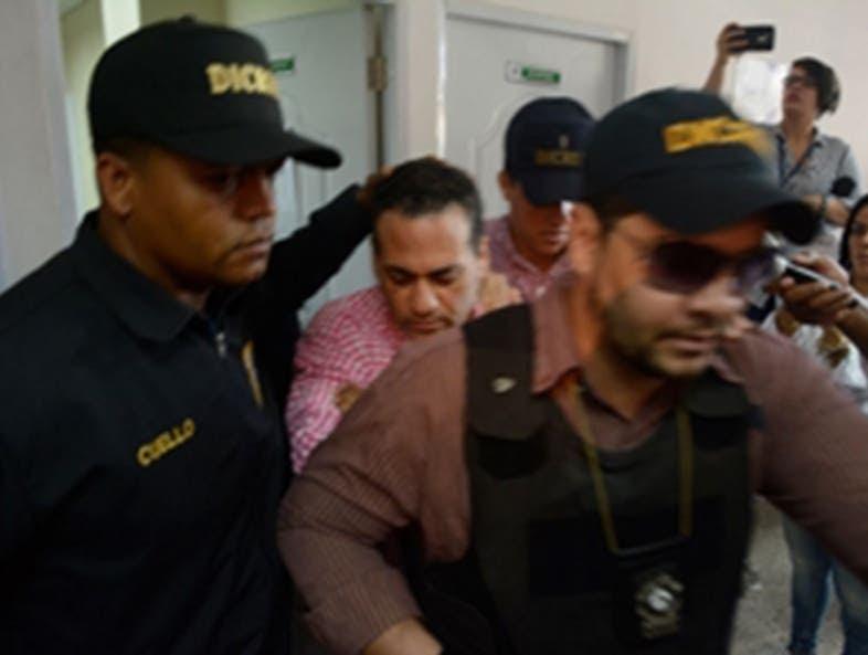 Eddy Santana se reunió con el abogado Yunior Ramírez.