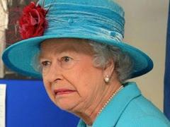 queen-elizabeth-horrified-21