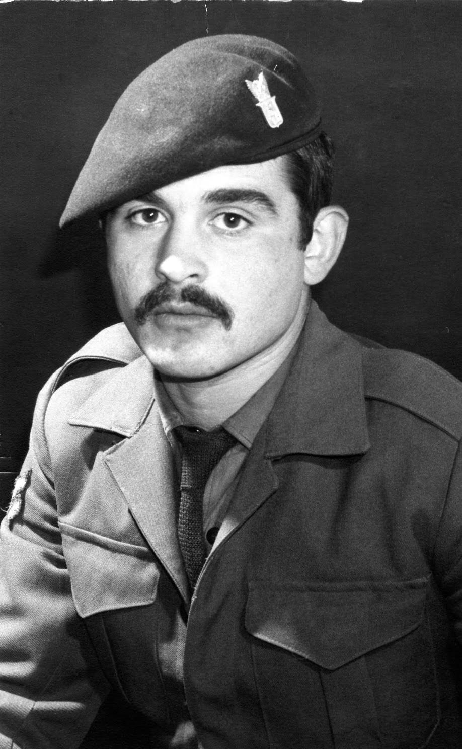 Ο Νίκος Αργυρόπουλος ως έφεδρος λοχίας στην Κύπρο, πριν τον πόλεμο.