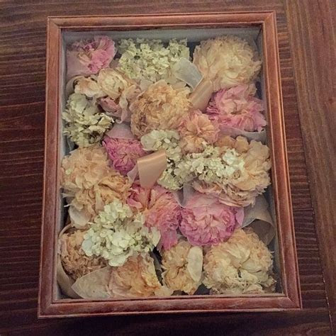 A DIY tutorial for preserving your wedding bouquet and