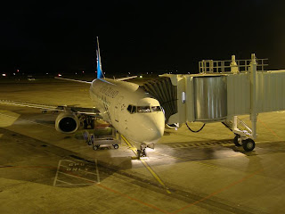 Night time Airbridge with Air New Zealand B737