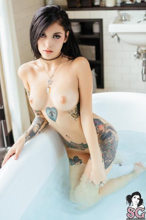Sara Calixto Nude Pics (@Tumblr) | Top 12 Hottest