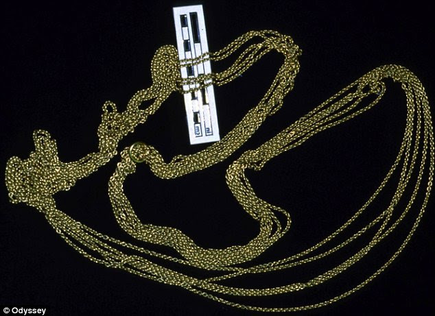Precious: The loss of the treasure, such as this chain weighing half a kilogram, devastated Spain's economy