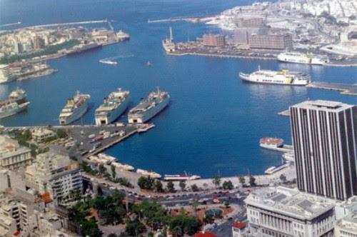 μπάσιμο για το λιμάνι του Πειραιά από τους Ρώσους