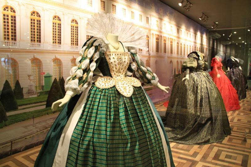 Réplicas de vestidos de rainhas francesas da dinastia Bourbon:imagem 4