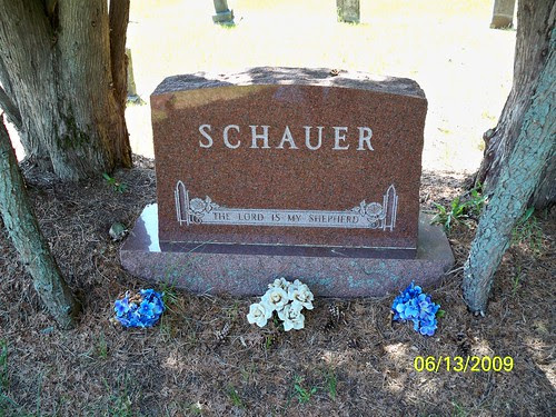 Main stone for August and Henriette Schauer