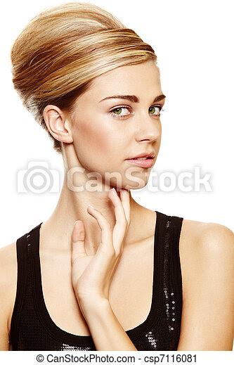 Mode Für Frauen Unter 160 Cm : frisur von frau aus c a werbung trendige kurzhaarfrisuren ~ Watch28wear.com Haus und Dekorationen