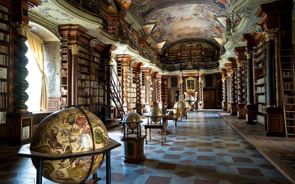 A mais bela biblioteca do mundo fica em Praga 05