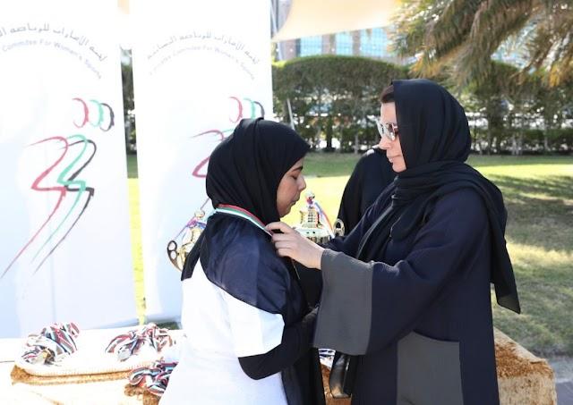 لجنة الإمارات للرياضة النسائية تنظم بطولة كرة الطائرة الشاطئية بمشاركة 120 طالبة