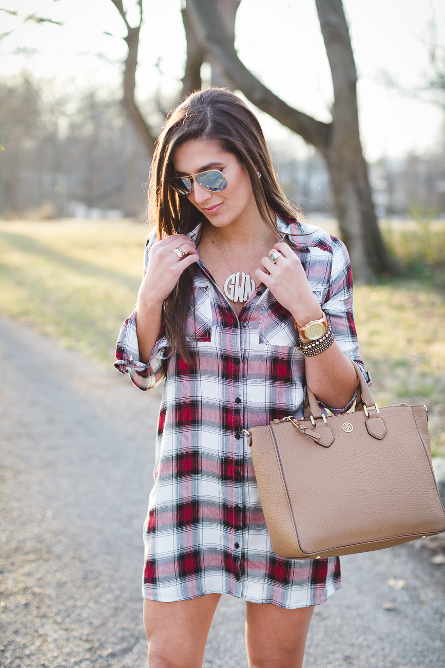 5 ways to wear an oversized flannel