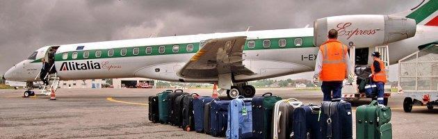 Alitalia sull'orlo della bancarotta: gli errori di compagnia e politica