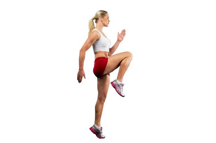 Chạy bộ nâng cao gối giúp chân săn chắc