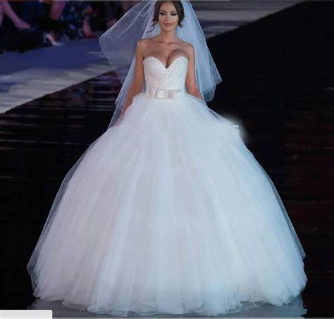 Cheap Flowy Beach Wedding Dresses 2015 Sheer Illusion
