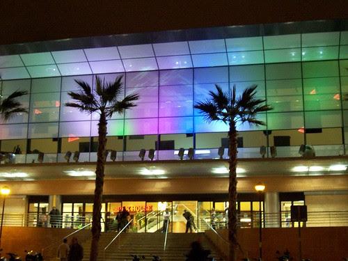 Juego de luces en un centro comercial en Málaga