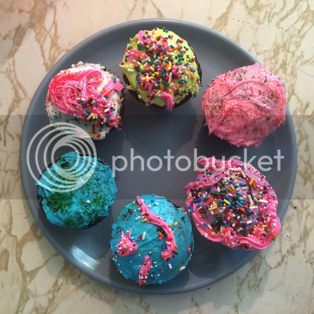 photo cupcakes.jpg