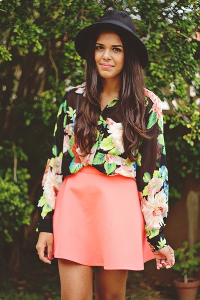 Black-forever-21-hat-coral-forever-21-skirt-light-pink-forever-21-blouse