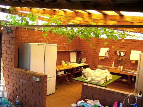 летние кухни в саду