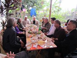 Bữa giỗ đầu Hữu Loan. RFA photo