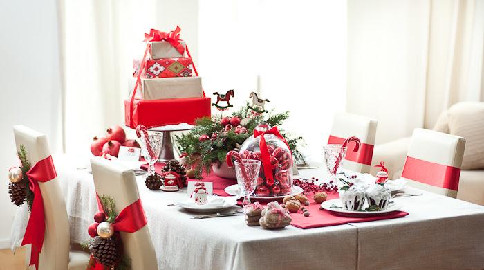 Znalezione obrazy dla zapytania Stół świąteczny obrus pinterest