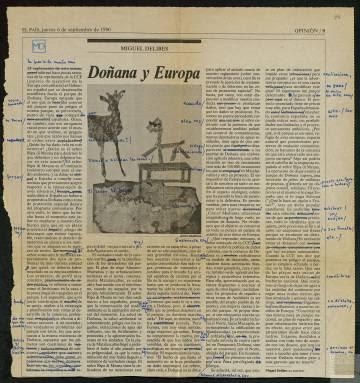 Texto de Delibes en EL PAÍS con correcciones. El escritor solía tomar notas de sus artículos para su publicación en formato de libro.