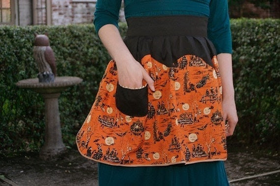 Witching Hour Vintage-Inspired Halloween Apron