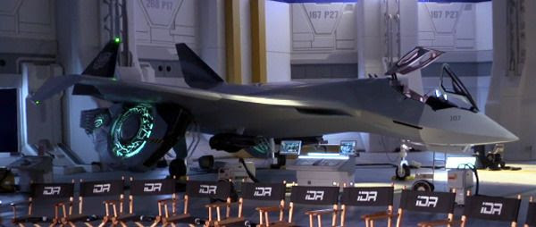 Another shot of the alien-hybrid jet fighter that will see combat in INDEPENDENCE DAY: RESURGENCE.
