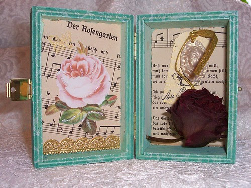 Rose Garden Shadow Box