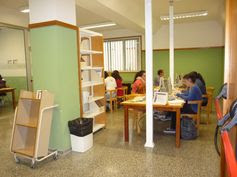 BIBLIOTECA DE FARMACIA, en el Campus de Anchieta. Nuevo espacio para trabajo en grupo y consulta en ordenadores.  Síguenos en la web y en nuestro blog: http://www.bbtk.ull.es/view/institucional/bbtk/Farmacia/es http://bibliotecadefarmaciaull.blogspot.com.es/ #bbtkfarm