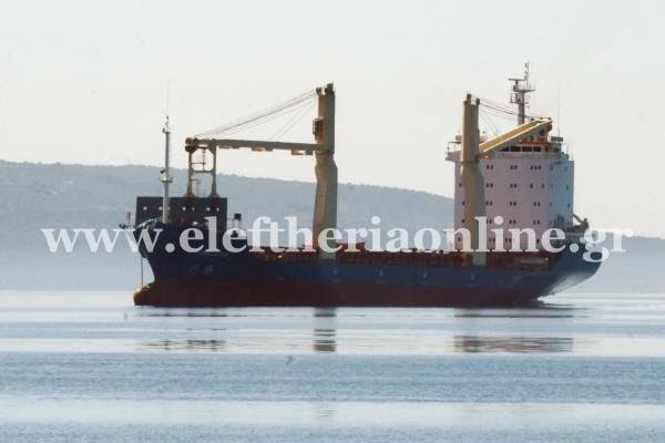 Στην Καλαμάτα μεταφέρθηκαν οι 7 διασωθέντες και οι 2 σοροί του ναυαγίου της Μεθώνης (βίντεο)
