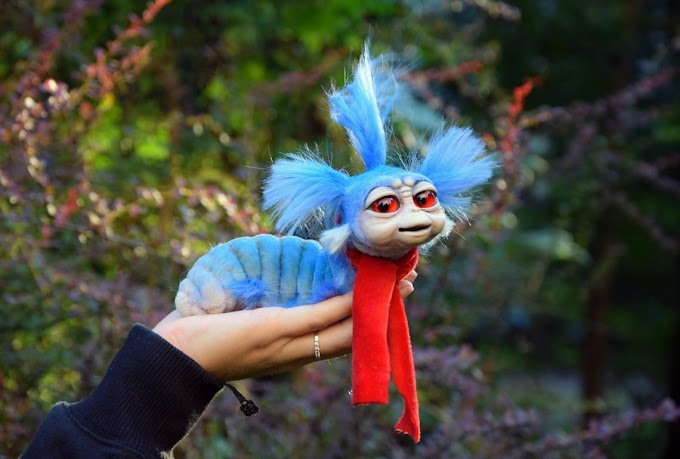 El artista de Etsy Gakman Creatures crea un peluche entrañable del gusano Ello de Dentro del laberinto