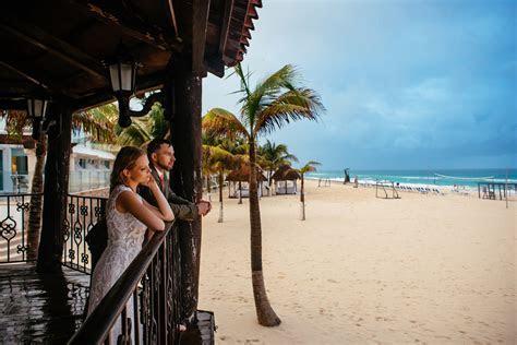 Destination wedding at Rancho Leonero in Cabo Mexico