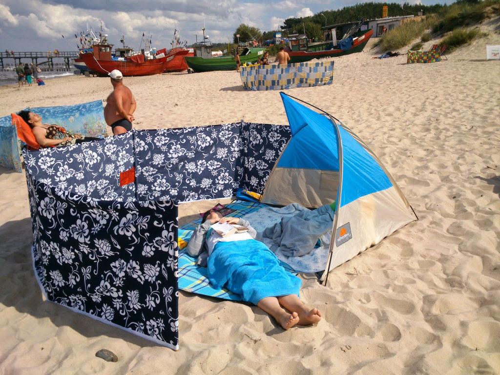 Separadores de espaço na praia, uma tradição polonesa 15
