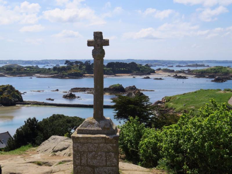 Croix St Michel île de Bréhat