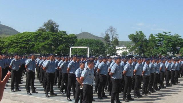 Decreto sobre horas extras dos policiais militares está sendo preparado. 27/10/2011