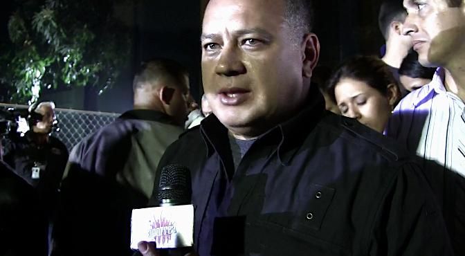 """(VIDEO) Diosdado Cabello: A las Manitos Blancas """"Ni se les ocurra venir al Hospital Militar"""""""