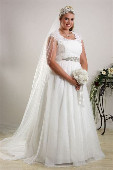 Simple plus size wedding dress Annie   Plus size Bridal