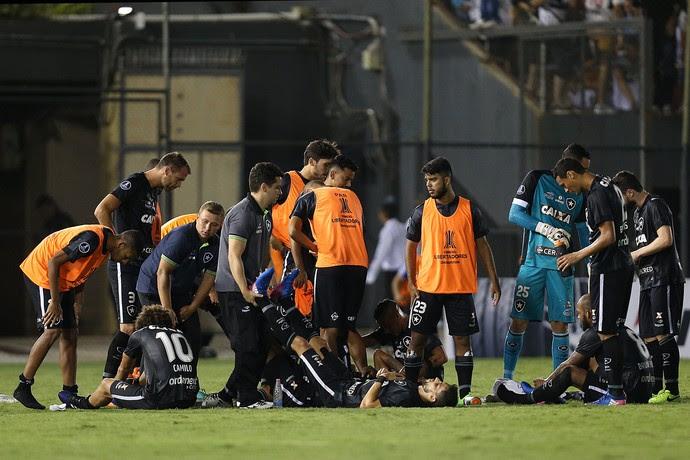 Cansaço Botafogo x Olimpia (Foto: Vitor Silva / SSpress / Botafogo)