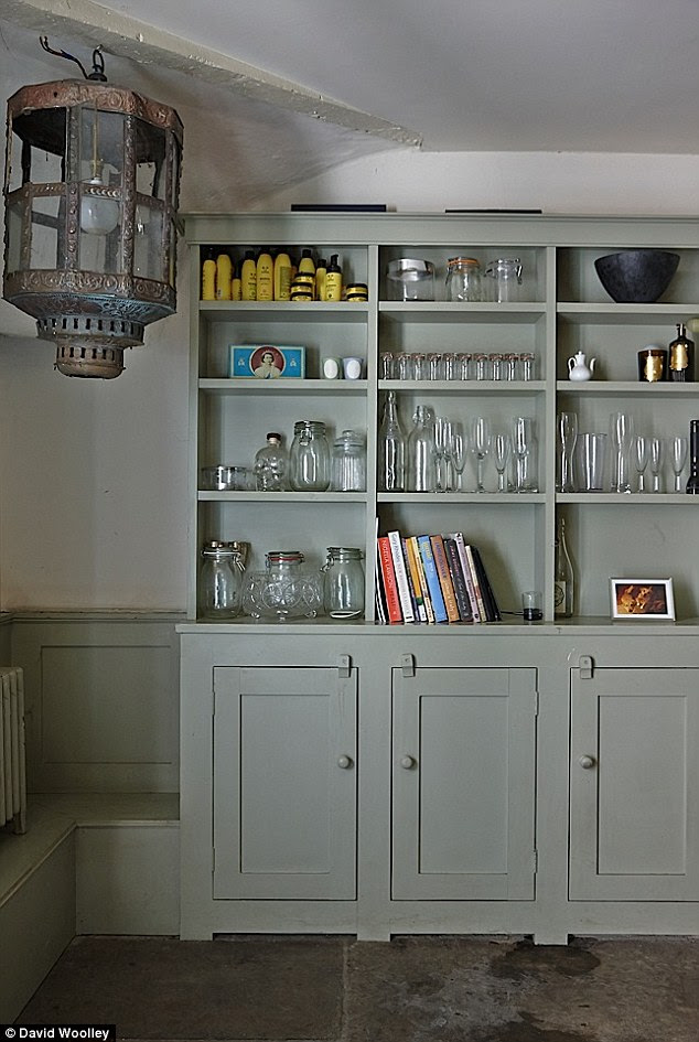 Georgian kitchen in Farrow and Ball Blue Gray on Modern Country Style